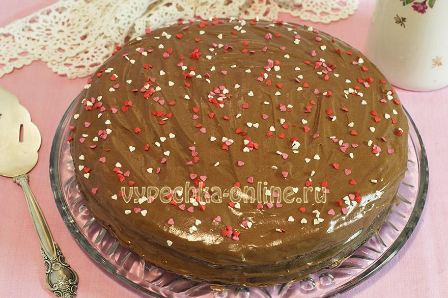 Бисквитный торт с шоколадным кремом