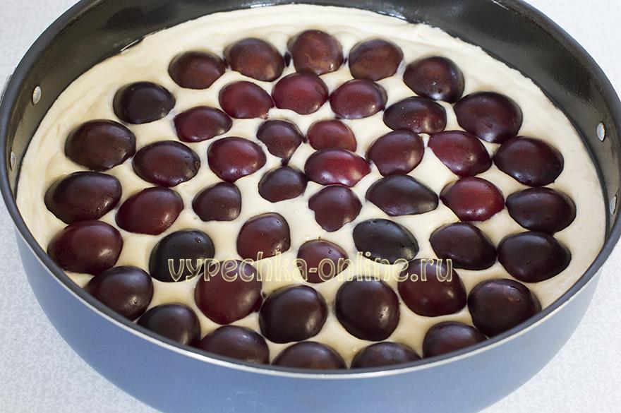 Творожный пирог со сливой