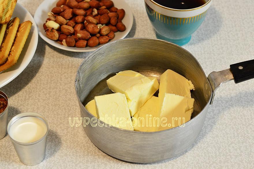 Сладкая колбаска с орехами