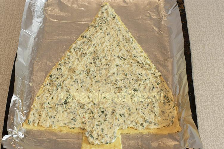 Пирог елочка из слоеного теста