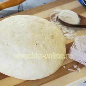 Дрожжевое тесто на кефире без яиц