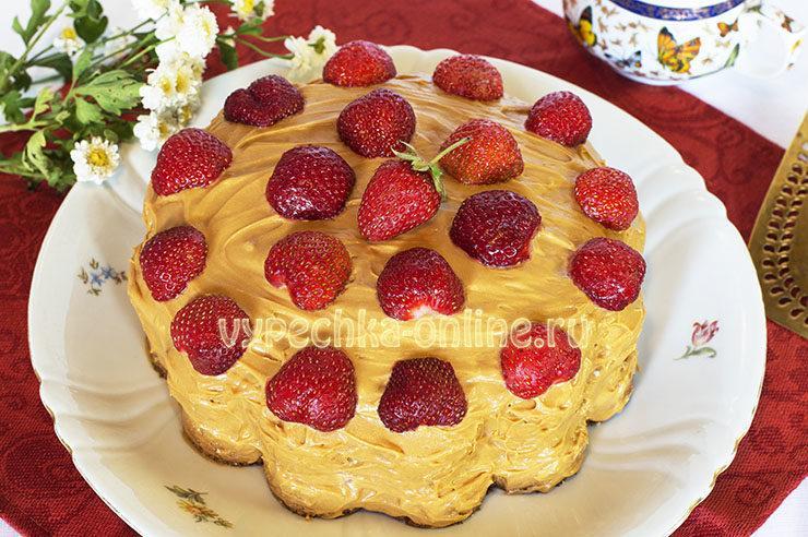 Декор торта ягодами