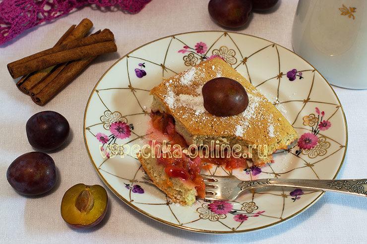 Пирог шарлотка со сливами