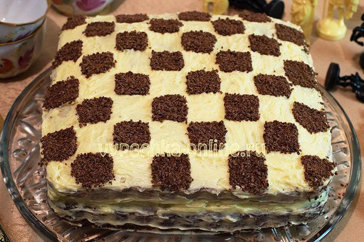 Торт в виде шахматной доски