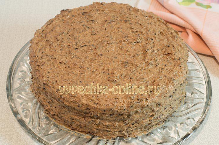 Торт праздничный с черносливом и орехами
