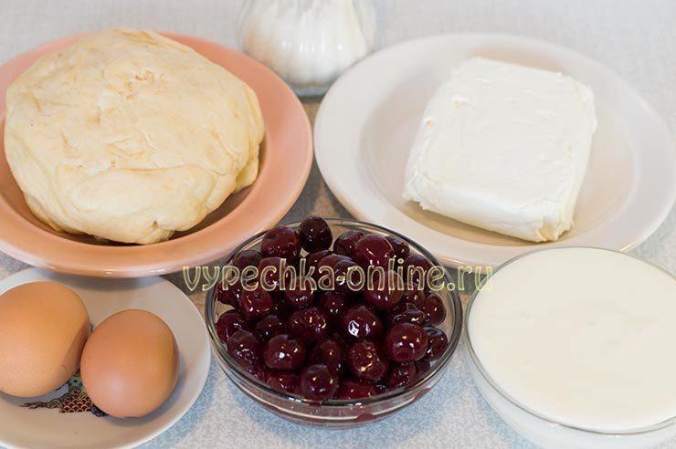 Пирог с вишней и творогом рецепт