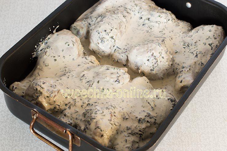 Куриные голени в сметанном соусе