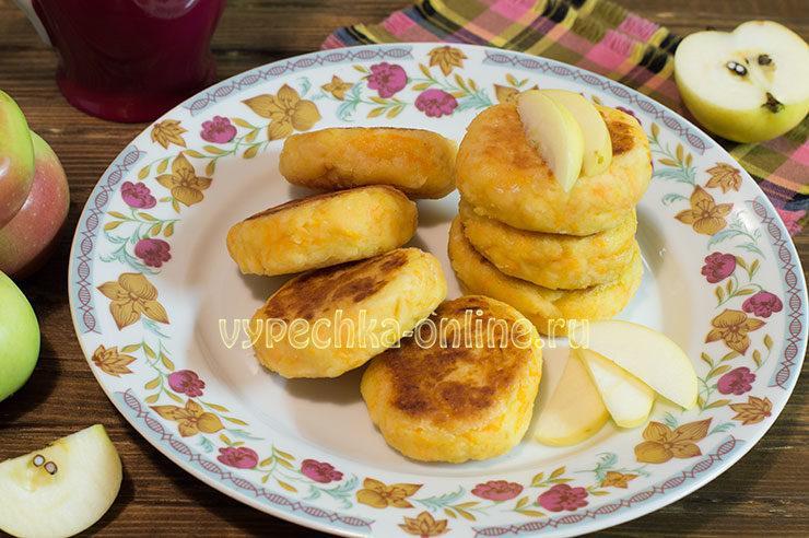 Сырники с яблоком и творогом