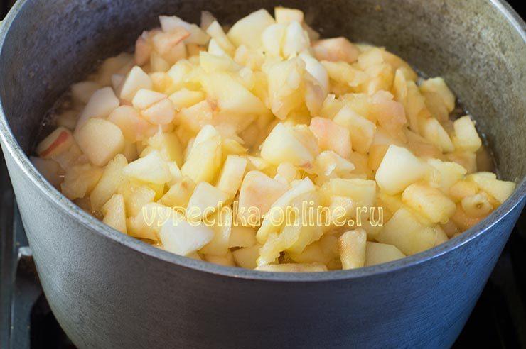 Дрожжевые пирожки с яблоками в духовке рецепт с фото