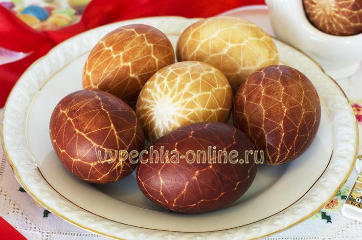 Как оригинально покрасить пасхальные яйца