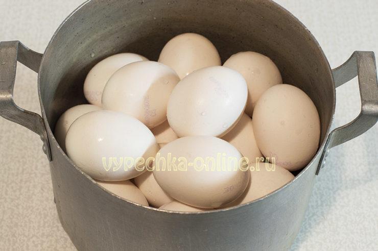 Окрашивание пасхальных яиц подготовка