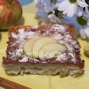 Яблочная шарлотка на кефире