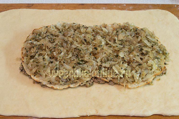 Кулебяка с капустой и мясом
