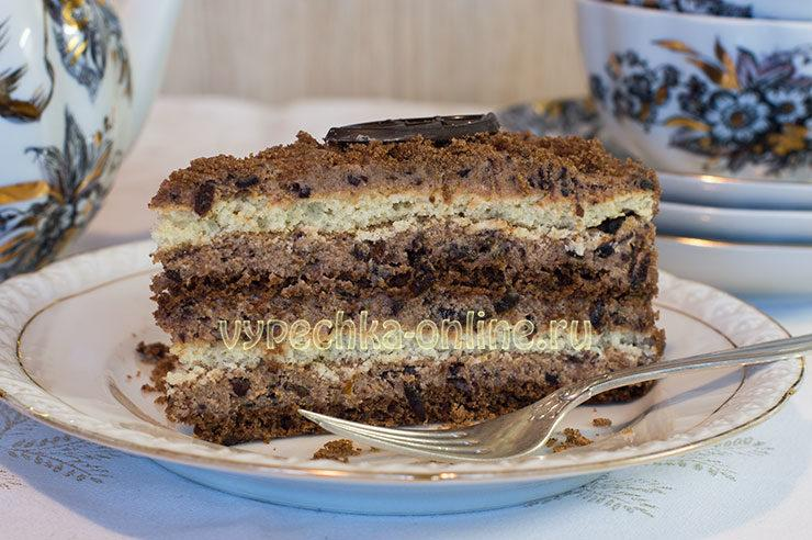 Торт с черносливом и грецкими орехами и сметаной