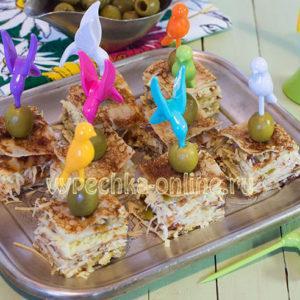 Канапе из блинов на шпажках на праздничный стол простые рецепты с фото