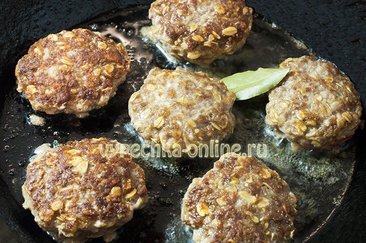 рецепты из фарша мясного на скорую руку на сковороде