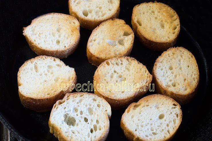 как сделать горячие бутерброды на сковороде с колбасой и сыром
