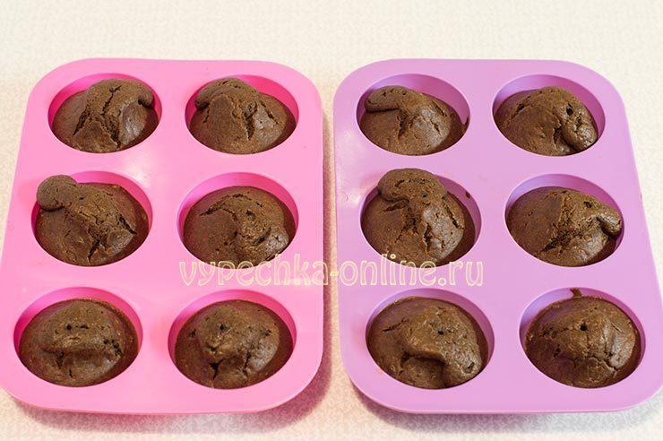 Shokoladnye keksy v silikonovykh formochkakh Shag 8