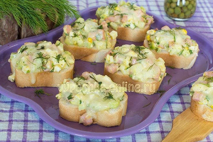 Горячие бутерброды с колбасой и сыром в духовке рецепты с фото