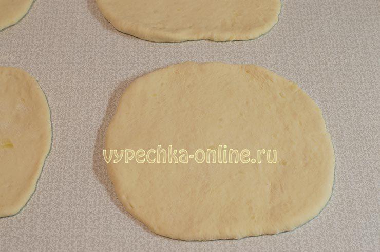 хачапури с сыром из дрожжевого теста в духовке