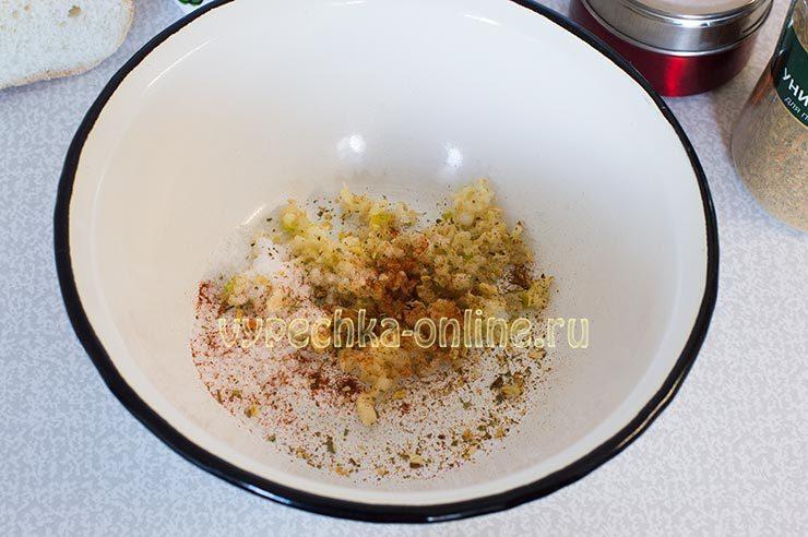 гренки с чесноком к пиву на сковороде
