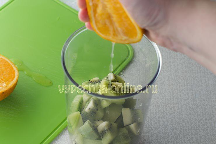 смузи из банана и апельсина