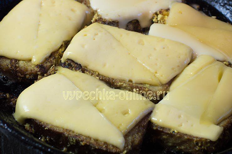 жареные кабачки с сыром и яйцом