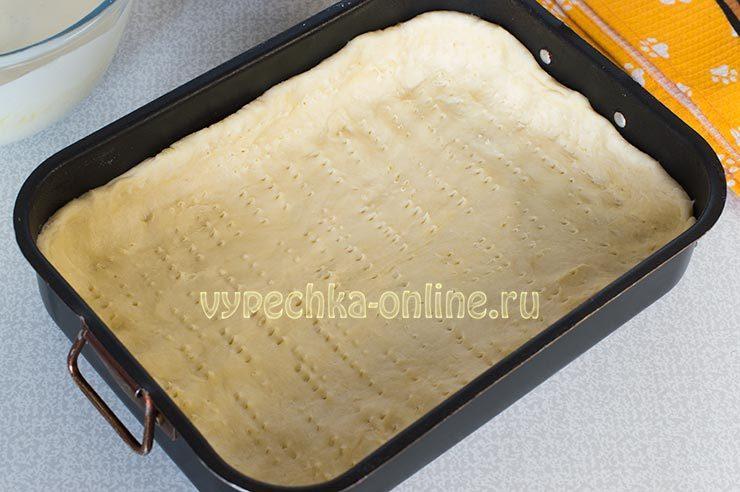 пирог из песочного теста со смородиной
