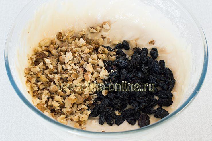 Коврижка с изюмом и орехами
