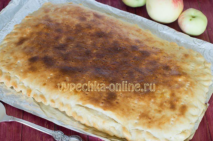 Яблочный пирог из дрожжевого теста простой рецепт