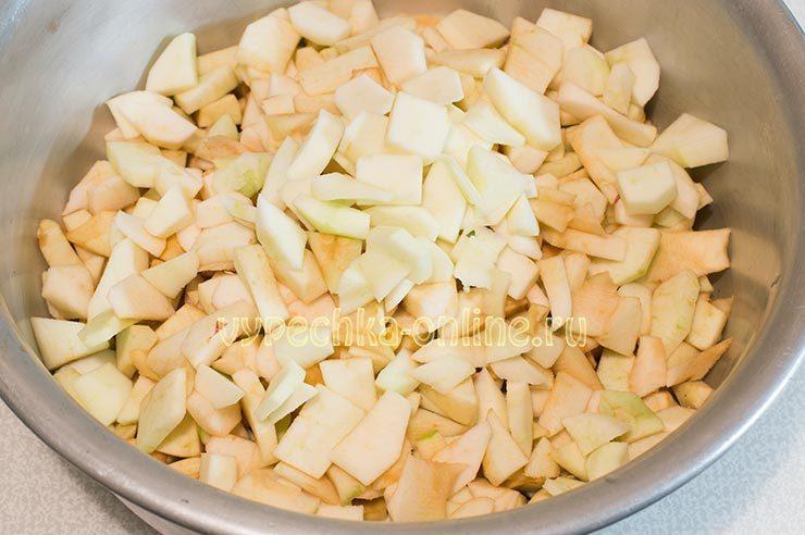 Пюре из яблок со сливой