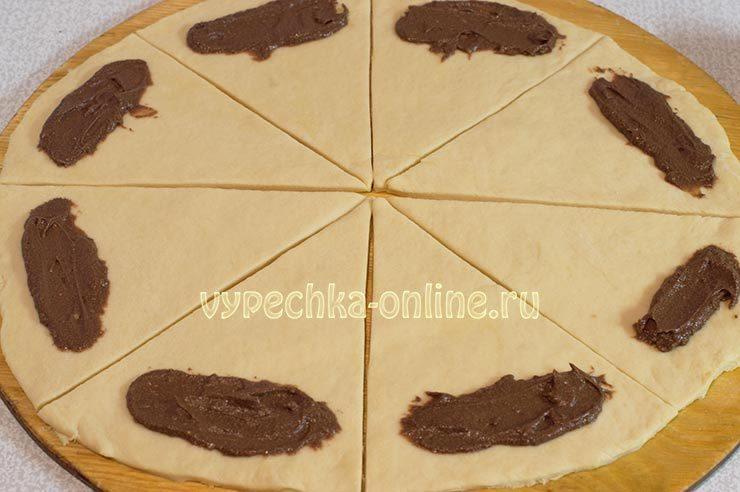 Рогалики из дрожжевого теста рецепт с фото