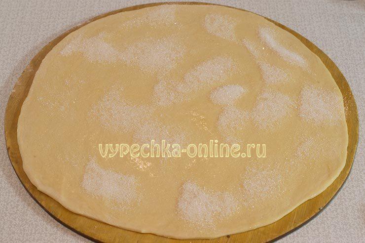 Рецепт рогаликов из дрожжевого теста с фото