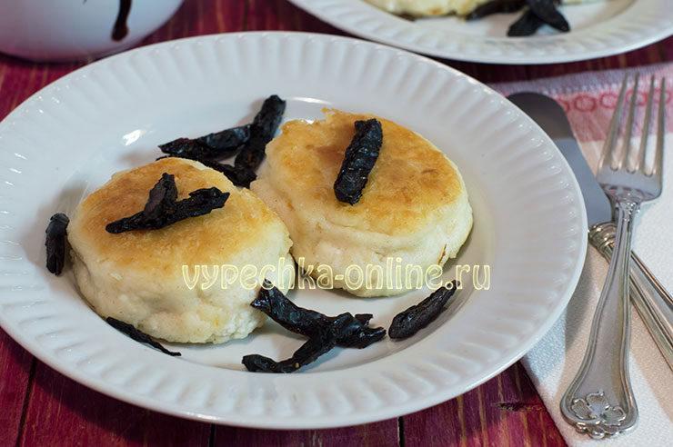 Сырники с черносливом