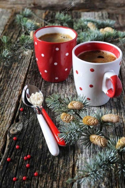 Кофе в красивых чашках