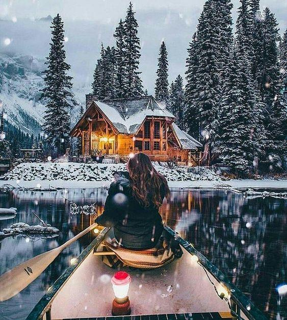 Девушка, зима, река, лодка