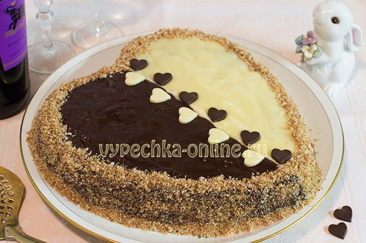 Торт на день влюблённых в виде сердца