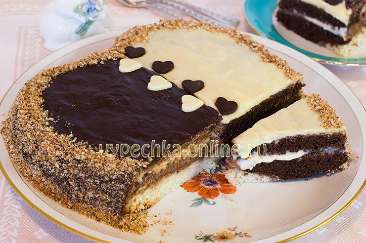 Двухцветный торт с кремом из сгущёнки