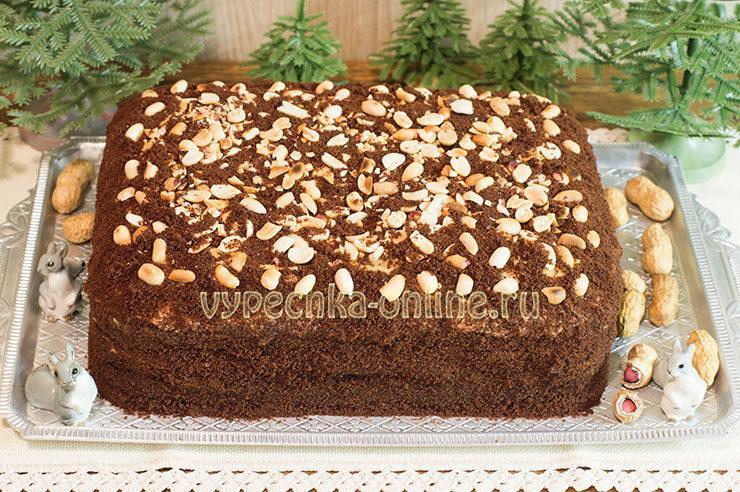 Бисквитный торт Сникерс с безе