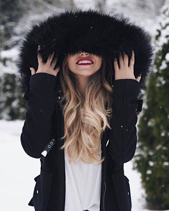 Картинка на аватарку для девушки блондинки