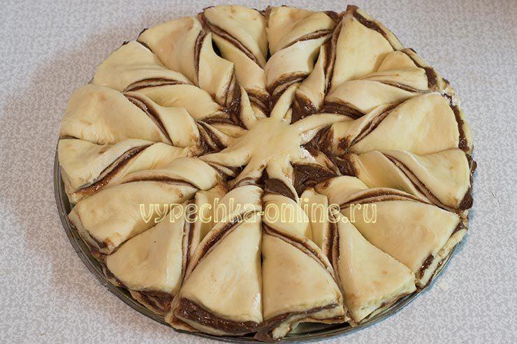 Как сделать красивый пирог из дрожжевого теста с начинкой