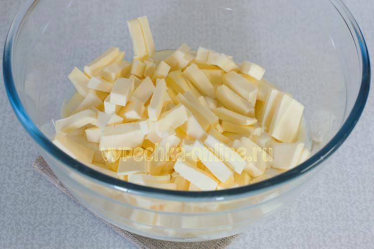Сливочное масло в тесто