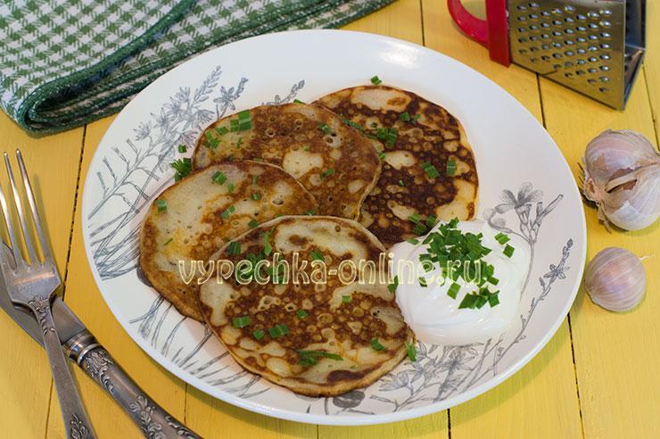 Оладьи на кефире с чесноком, как приготовить – рецепт с фото пошагово без дрожжей