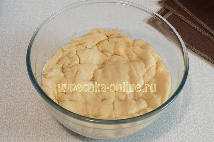 Дрожжевое тесто на яйцах без молока