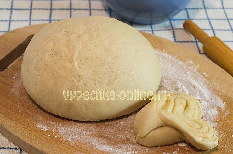 Дрожжевое тесто для плюшек с сахаром