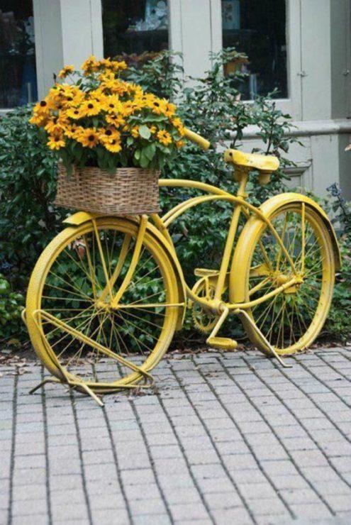 Велосипед, корзина, цветы