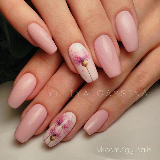 Нежный розовый маникюр одуванчики