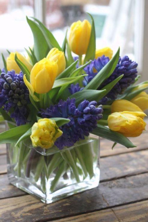 Тюльпаны с ирисами