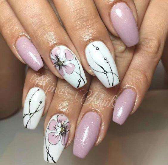 Ногти холодный розовый