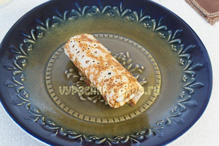 Блины фаршированные сыром и зеленью